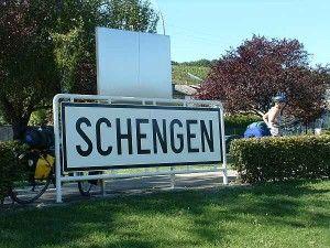Romania indeplineste conditiile pentru aderarea la Schengen: http://www.vreaudreptate.ro