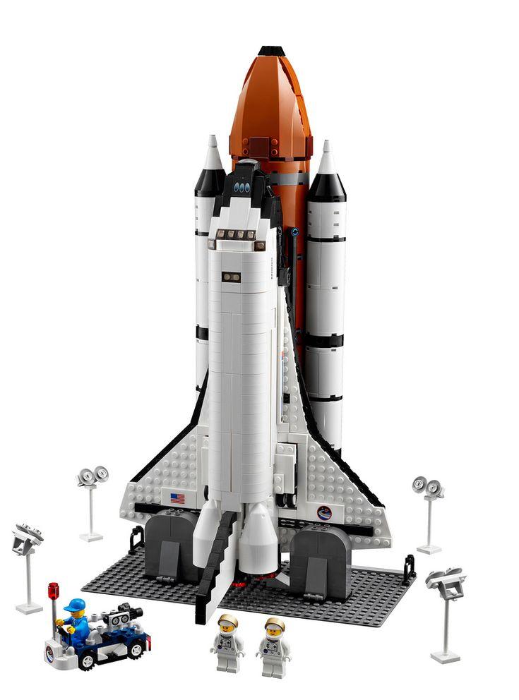 Nerdgasm, indeed. 1,204-piece Lego space shuttle.