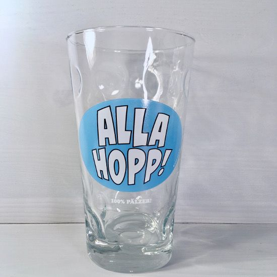 ALLA HOPP Dubbeglas 0,5 L https://www.pfalzando.de/alla-hopp-dubbeglas-0-5-l-pfalz-schoppenglas.html