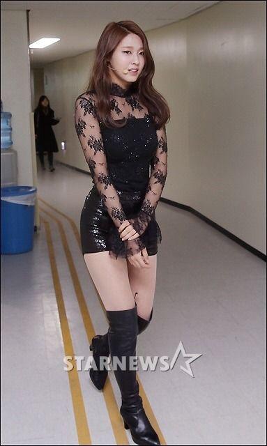 """"""" AOA at the 4th Gaon Chart Kpop Awards """""""