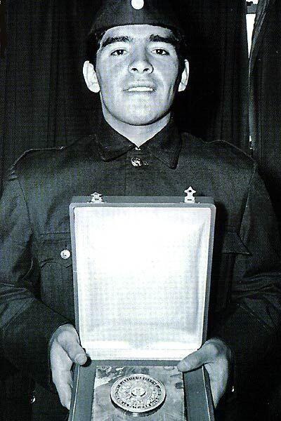 : Mientras cumplía el servicio militar 1979