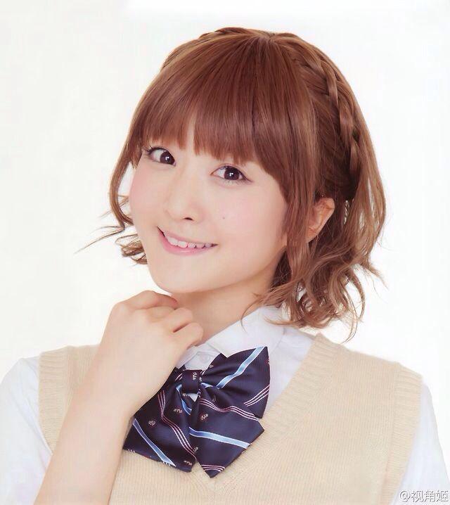 Yurika Kubo in a school uniform. I wish my school uniform was that cute!!!
