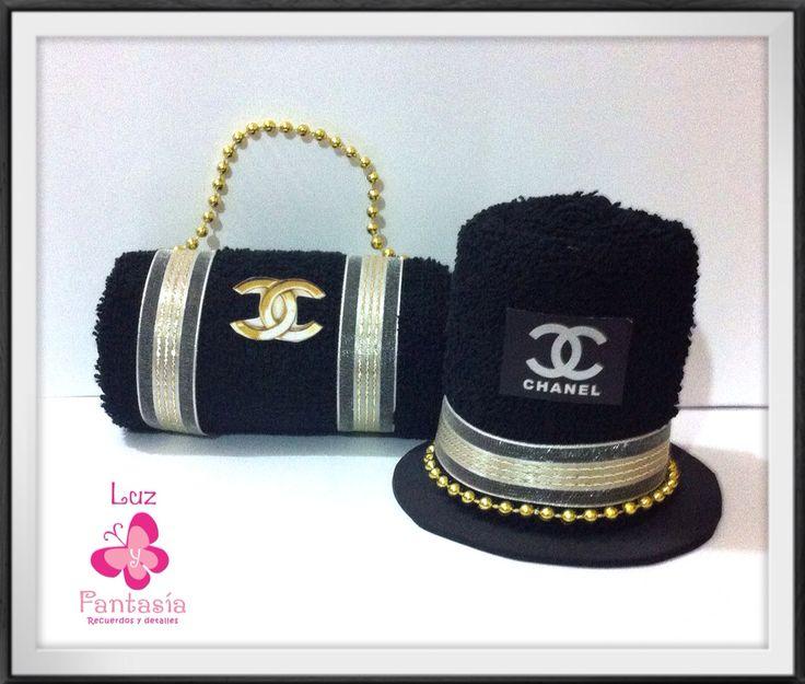 Ideales para dar en tu #boda coordinado de bolsa de mano y sombrero de copa en #toalla facial