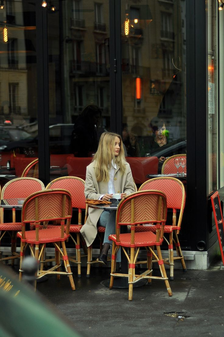 CAFE DE L'AVENUE | PARIS: PATINESS