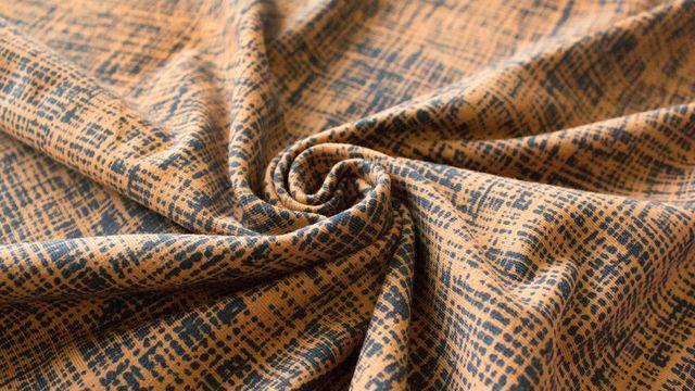 """####Tricot Drawing Old####  Ein neuer Megan Blue Stoff: Der Jersey """"Tricot Drawing"""" ist in den Farbkombinationen mokka und marine besonders exklusiv! Diesen Motivstoff erhältst du allerdings auch noch in weiteren Farben. Der Jersey setzt sich zu 95 % aus Baumwolle und zu 5 % aus Elasthan zusammen. Diese Mischung macht ihn angenehm weich, gemütlich und gibt ihm Festigkeit zugleich.  * 95 % Baumwolle, 5 % Elasthan * 150 cm breit * 220 g / m²  Schau gern in unserem Materialshop vorbei - Dieses…"""