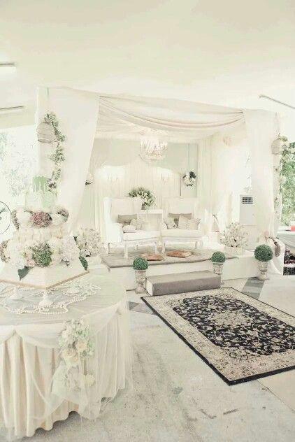 White soirée
