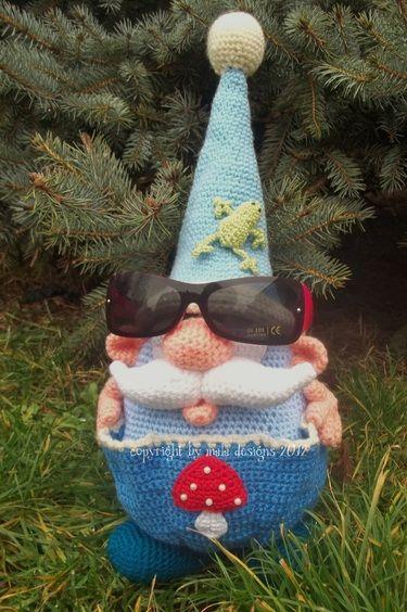 Amigurumi XL, obese helper elves, crochet