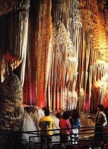 Meramac Caves in Missouri
