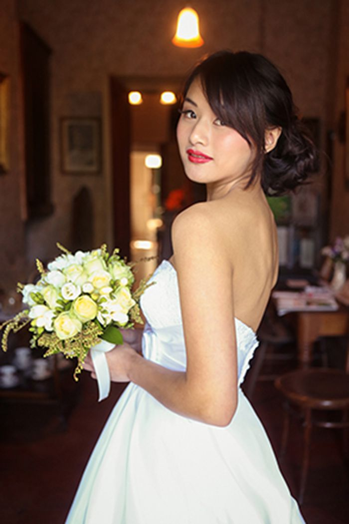 romantic wedding hair, makeup and photography by flurogreystudio.co.nz