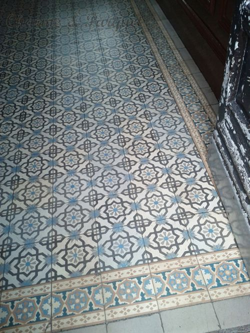 25 best ideas about carrelage ancien on pinterest carreaux de ciment ancie - Carrelage sur parquet ancien ...