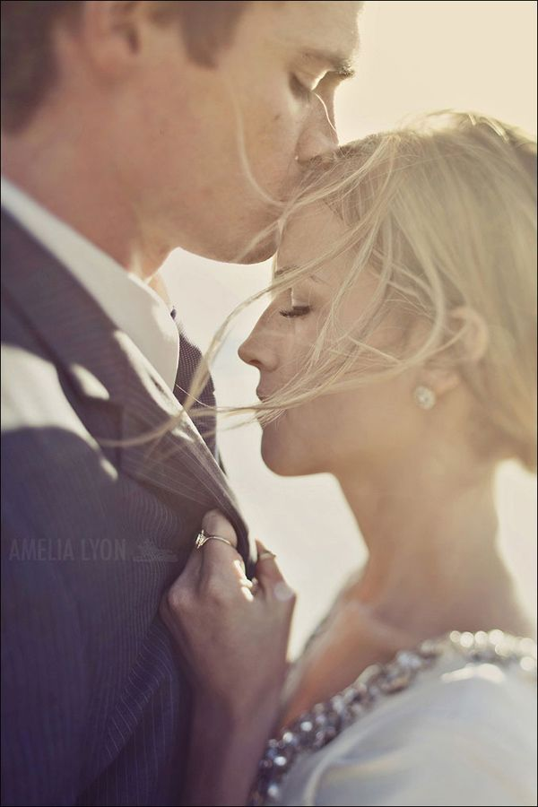 Forehead kiss! Engagement Shoot Inspiration: 15 Couple Poses You've Just Got To Try!