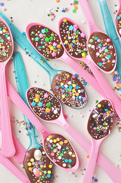 Whimsically fun star sprinkle bedecked Chocolate Spoons. #food #chocolate #dessert #sprinkles #pink #blue #stars #party #kids #Easter