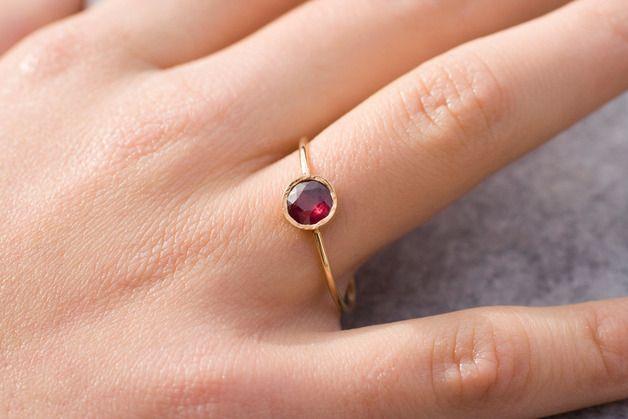 Verlobungsringe - Rubin Verlobungsring, 14 K Gold Edelstein-Ring - ein Designerstück von arpelc bei DaWanda
