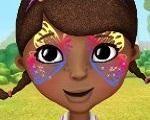 Em Doutora Brinquedos Pintura no Rosto, a Doutora Brinquedos vai a uma festa hoje e ela resolveu ir com o rosto pintado. Será que você pode ajuda-la? Use suas habilidades criativas e escolha um lindo desenho para pintar no rosto da Doutora. Divirta-se com Doutora Brinquedos!