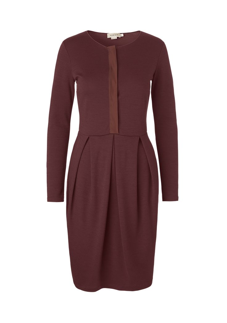 Wool jersey dress with hidden buttons down the front, pleats, tulip shape and pockets. mo. 9222 darfo
