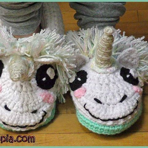Unicorn Slippers - free crochet pattern (and video) in womens S/M/L sizes at YARNutopia By Nadia Fuad.