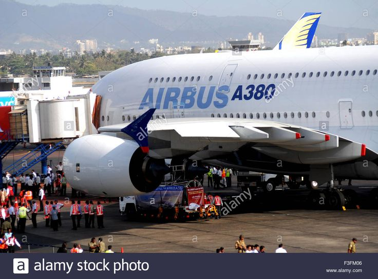 largest-commercial-airline-airbus-a380-lands-at-sahar-airport-or-chatrapati-F3FM06.jpg (1300×960)