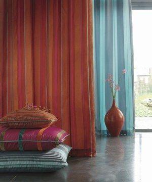 Déco: Rideaux et stores - © Camango Home textiles Que ce soit d'un voile léger, d'un rideau opaque ou de stores vénitiens, rehaussez votre décoration et finalisez l'atmosphère de vos pièces...