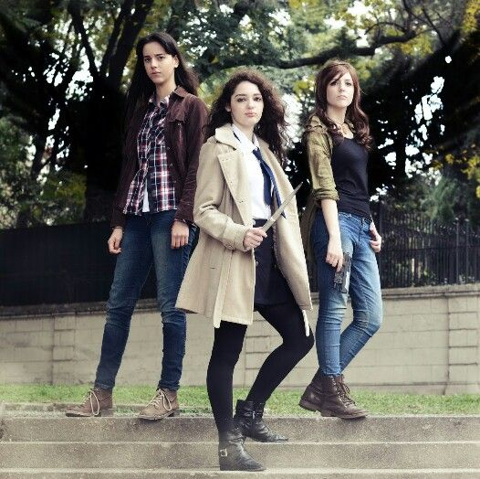 Castiel, Sam and Dean Winchester cosplay genderbend #castiel #angel #samwinchester #deanwinchester #winchester #cosplay #genderbend