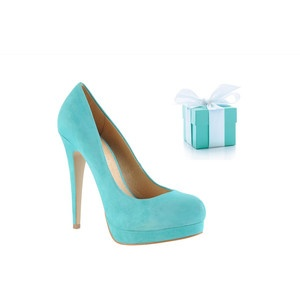 Tiffany Blue Pumps. I definitely need these to go with all my Tiffanies!