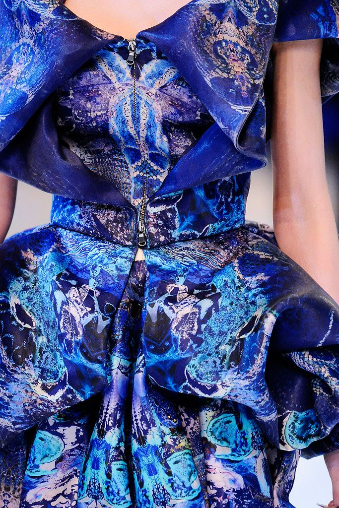 Alexander McQueen Spring 2010 Ready-to-Wear - Details - Gallery - Style.com