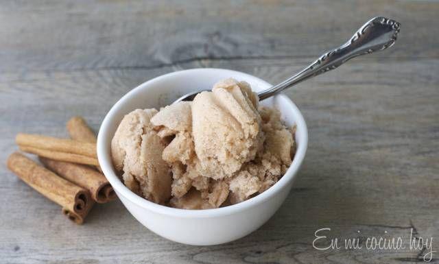 El helado de canela al agua es lo mas refrescante en verano, con mi mamá solíamos comprarlo en el Coppelia de Providencia, pero también puedes hacerlo.