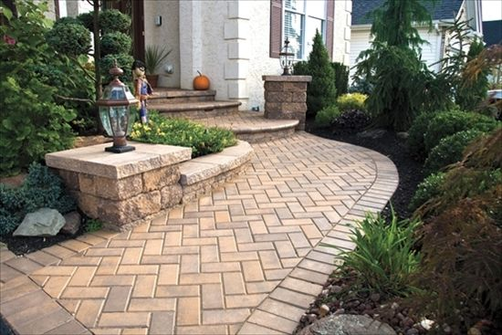 EP Henry pavers in Brick Stone Harvest Blend 45 Herringbone Pattern with Soldier Course