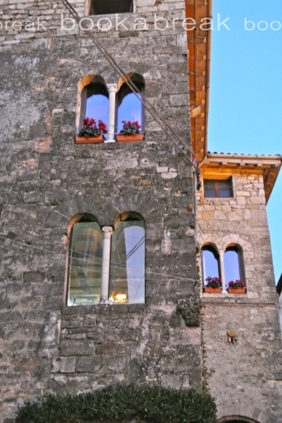 http://www.book-a-break.com/en/properties/465,dimora-il-bacio/  A lovely Holiday Apartment in the heart of the city of Anagni known as the City of the Popes, for being the birthplace of several popes, and for being long papal residence. In particular, the name of Anagni is linked to the events of Pope Boniface VIII and the episode known as the slap of Anagni…