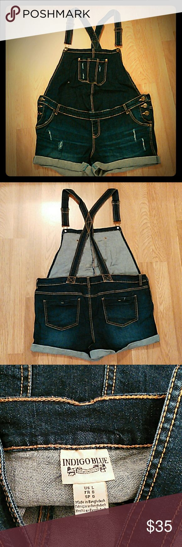 Maternity jumper Indigo Blue Maternity Jean jumper... adjustable shoulder straps and side button closure Indigo Blue Jeans Overalls