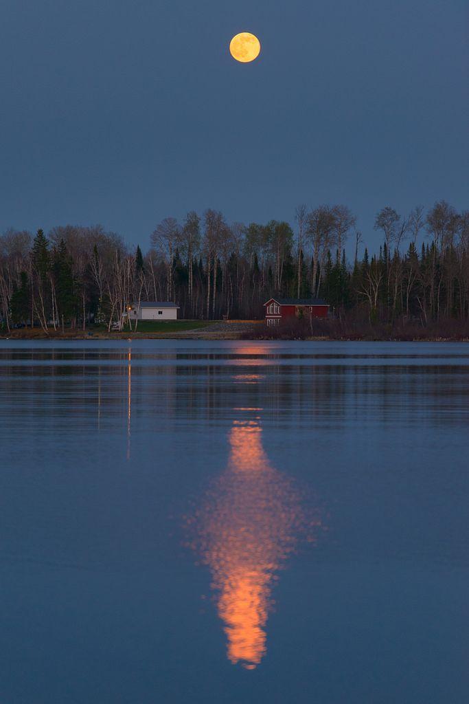 Full Moon in Timmins Ontario. [1920x1280]