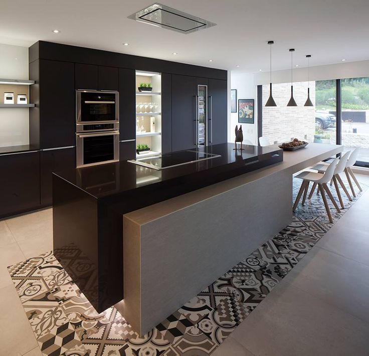 Each piece of furniture follows the same concept of architecture - contemporaneity and simplicity - in which refinement and elegance are remarkable elements. #Poggenpohl #kitchen