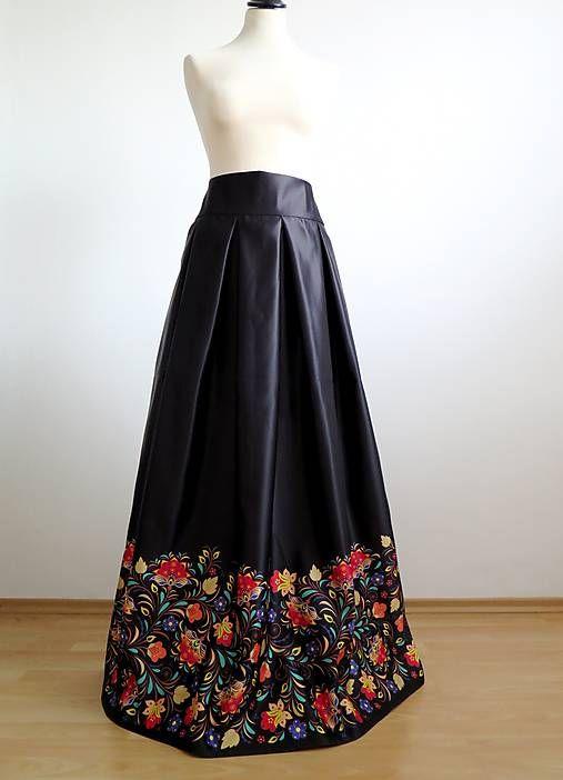 60a5bfddd46c Slávnostná sukňa Farebný ornament   EVART