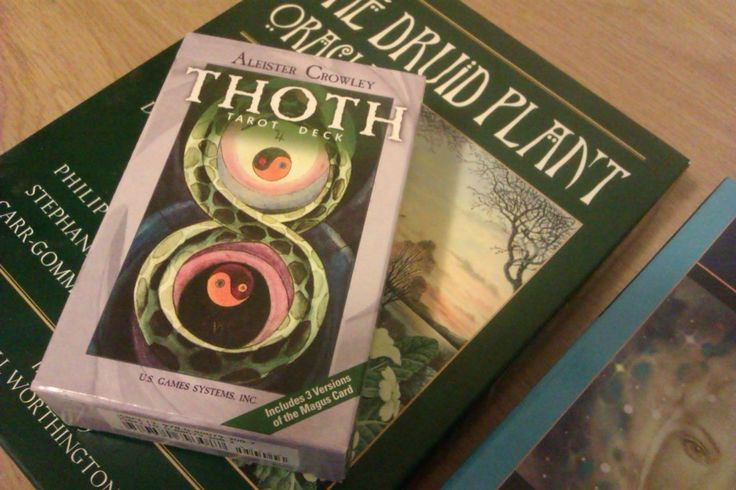 Strapped for cash? Here are six of the best resources to get a free online tarot reading.