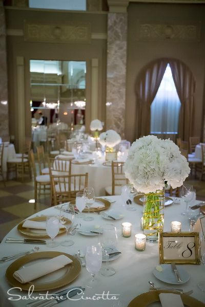 simple and classic hydrangea centerpieces
