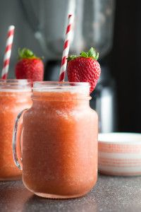 Summer Fruit Wine Slush {recipe} - a frozen blend of peaches, strawberries, grapes and delicious white wine make an absolutely refreshing summer drink!