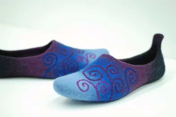 Felted slippers made of wool Blue purple black spiral pattern MADE TO ORDER, any color and size