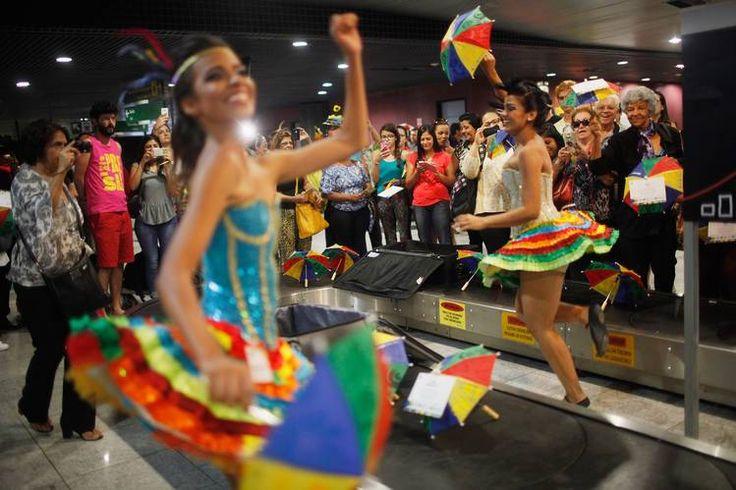 ジカ熱対策に追われるブラジルのカーニバル