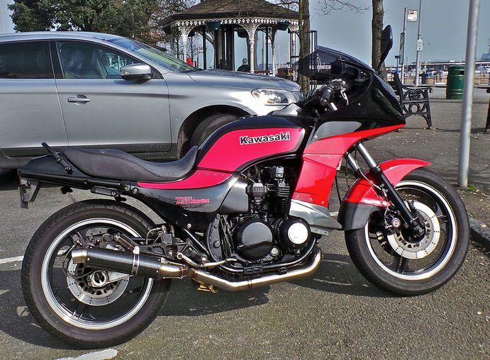 1984 Kawasaki GPZ750 738cc 4Stroke 4cyliner aircooled