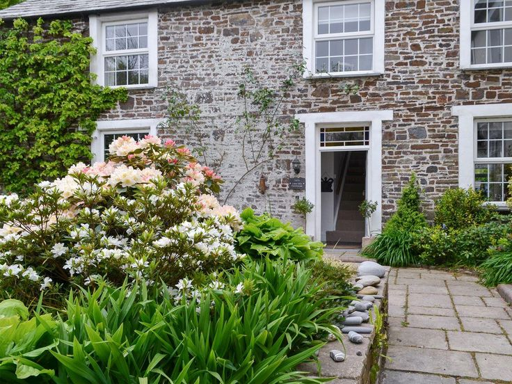 Lake Villa Holiday Cottages and Hidden Lakes- Lake Villa Farmhouse (ref UKC1887) in Bradworthy, near Holsworthy, Devon | cottages.com