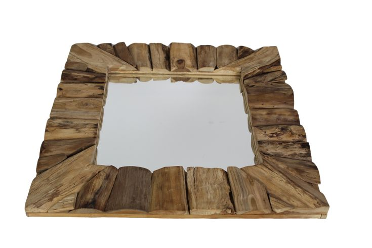 Spiegel speels teak. Afmeting 60 x 60 cm. Een prachtig decoratie-item voor aan uw muur, toilet, badkamer of staande op uw dressoir.