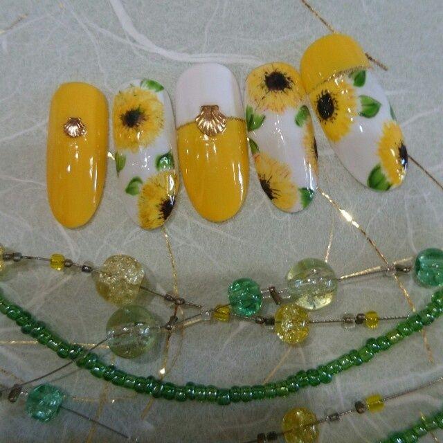 ネイル 画像 ネイルサロン リ.ボ―ン 蒲田 860193 黄色 フラワー 夏 ソフトジェル ハンド
