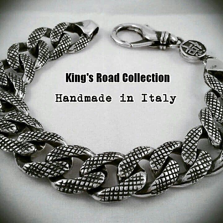 "New #knurling big #bracelet #engraved and #handmaded for FKS Jewels ""King's Road Collection""    #fksjewels #kingsroadcollection #handmade by #paolobrunicardi #orafo #goldsmith #sterlingsilver #custom #francescomenconi #inspiration #tattoo #biker #style #rock #brunicardipreziosi #marinadicarrara #tuscany #italy #madebyhand #madeinitaly #madeintuscany #oldschool #italianjob #italiansdoitbetter"