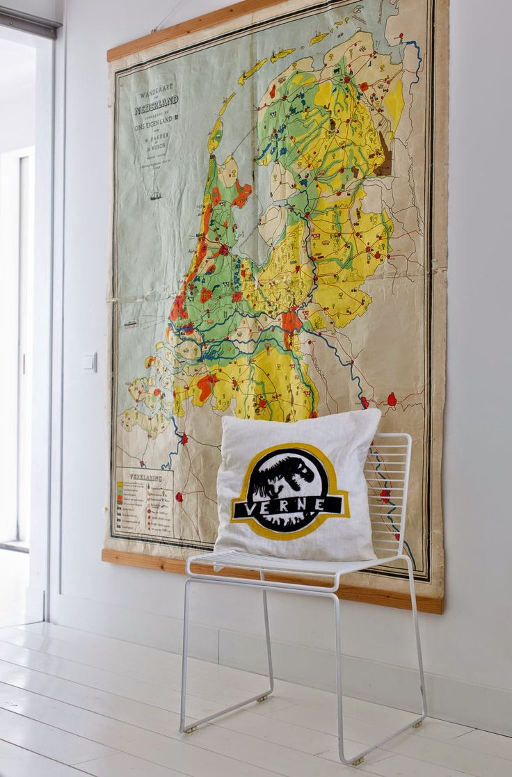 vintage map wall decoration in Amsterdam 67