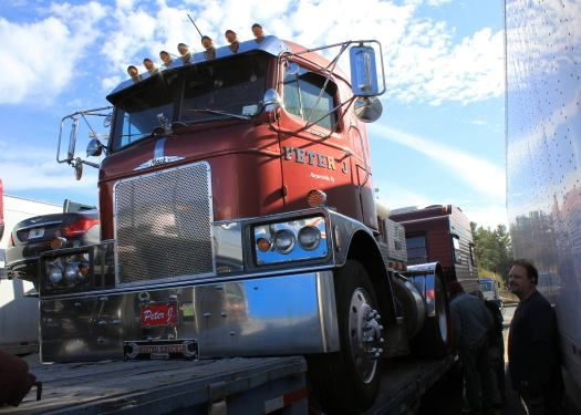 71 best let them truckers roll images on pinterest semi trucks a h 67 mack fandeluxe Images