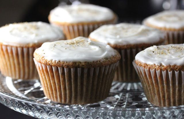 Bo's Bowl: Mini Chamomile Cakes with Honey Frosting