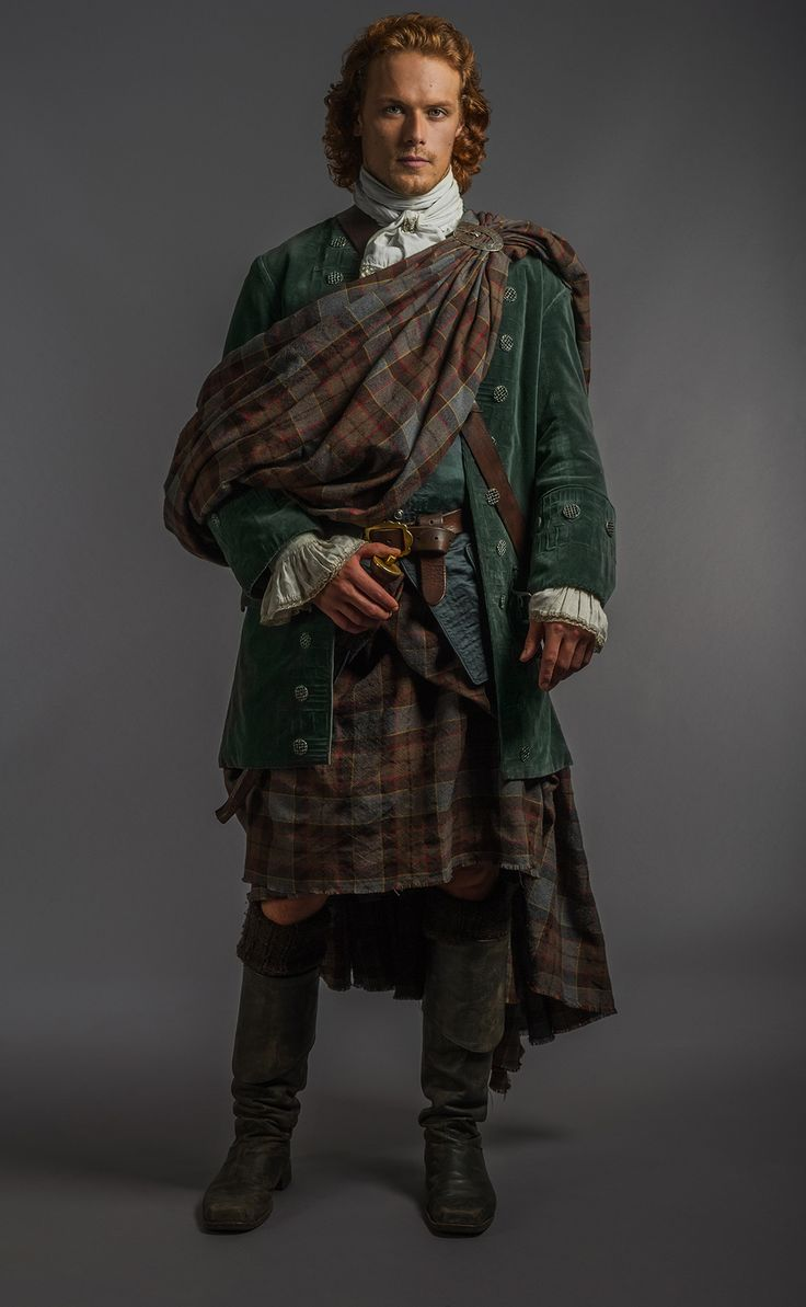 The Sexiest Pictures of Scorching-Hot Scot Jamie on Outlander