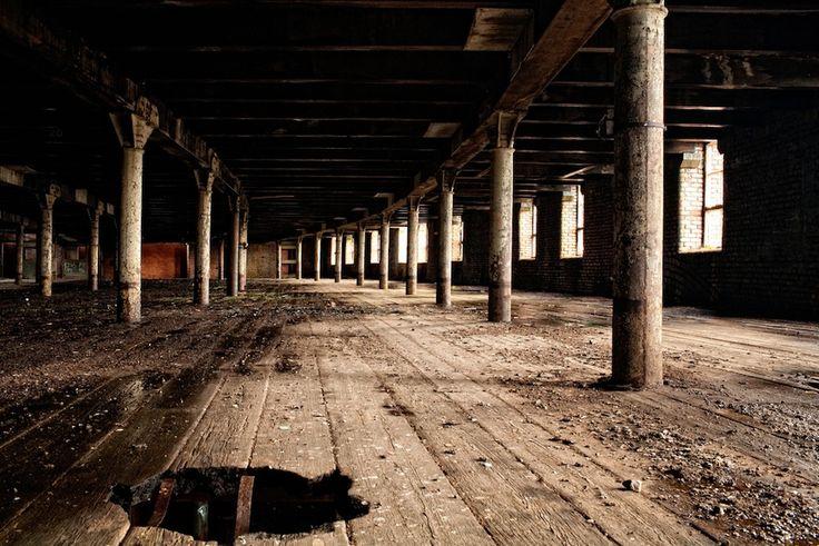 Oldham, Inghilterra  Una vecchia stazione ferroviaria abbandonata ad Oldham, nella contea metropolitana della Grande Manchester, Inghilterra.
