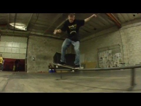 """sk8site.com - jereme rogers - """"one hitter quitter"""" - http://dailyskatetube.com/sk8site-com-jereme-rogers-one-hitter-quitter/ - https://www.youtube.com/watch?v=1YdaRLX-Rvo&utm_source=dlvr.it&utm_medium=feed Source: https://www.youtube.com/watch?v=1YdaRLX-Rvo me and mr. rogers came up with a new idea for segments for you're viewing pleasure. this is the first """" one hitter quitter """" basically were finding guys to film a - Hitter, jereme, quitter, rogers, Sk8site.com"""