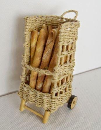 Les vitrines de MiniManie: La boulangerie...suite, la boulangère