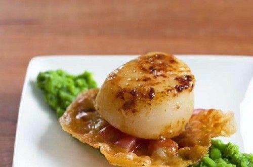 Coquilles met doperwtenpuree en krokant gebakken pancetta – Ciao tutti – ontdekkingsblog door Italië